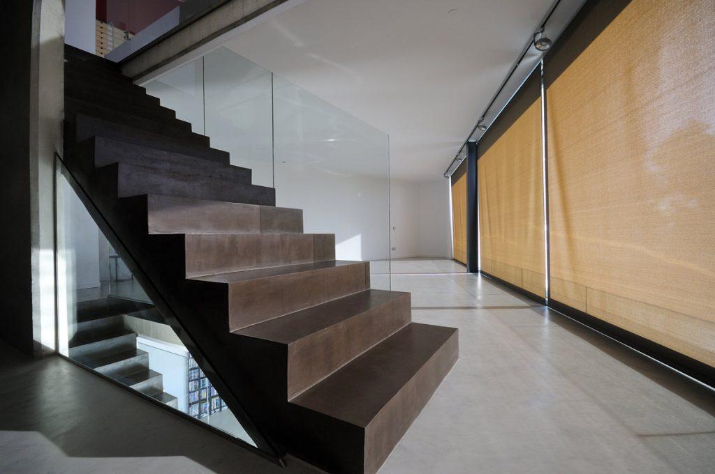 suelos y escaleras de microcemento